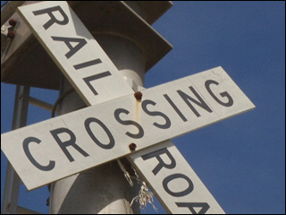 100316_railroad_crossing_sign